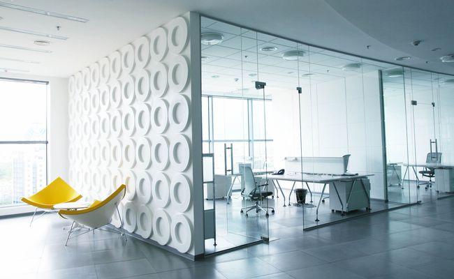 Оформление стен в офисе